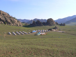 Mongolia_tourists_camp